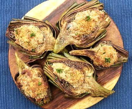 Recept voor gevulde artisjokken met gongonzola in de oven. Een recept uit Emilia Romagna.