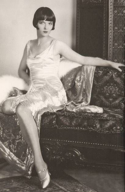 Louise Brooks. That incredible hairstyle... she was awesome.: 1920 S, Louise Brooks, Flapper Dresses, Fashion, Hollywood, Vintage Photo, Art Deco, Flappers