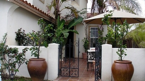 전형적인 캘리포니아 주택 살짝 들여다 보기 :: 빨간來福의 통기타 바이러스 2.0