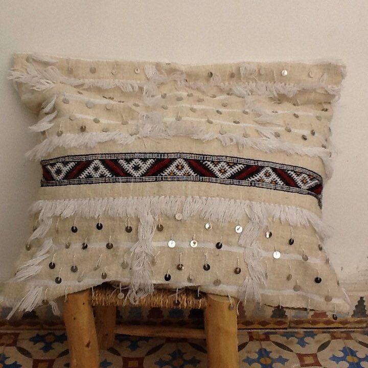 Handira pillow