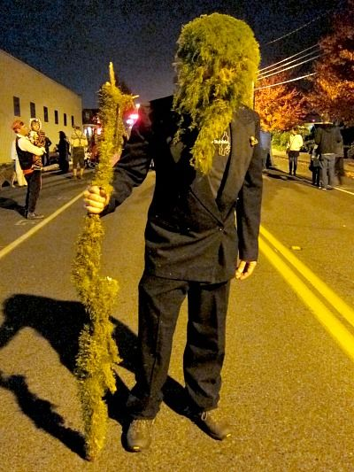 halloween yard monsters