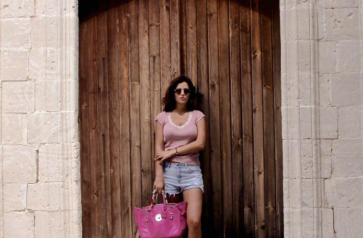 ALISA KOVTUNOVA  ARTBURO Founder and Creative Director. #artburo #alisakovtunova #interview #artburofounder #vogue #luxury #oneofakind #cartier #miumiu #customization #hermes #chanel #dior #артбюро #алисаковтунова #интервью #креативныйдиректор #model #harpersbazaar #2016 #ralphlauren #valentino