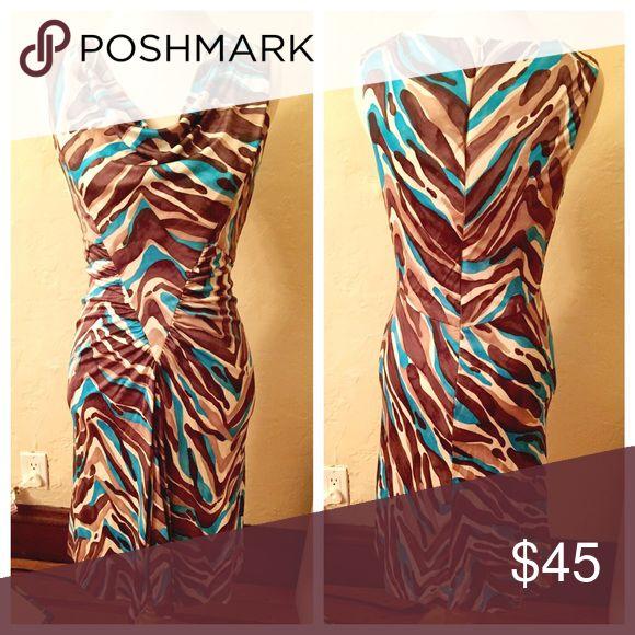 Super flattering Trina Turk dress 100% silk beautiful Trina Turk dress Trina Turk Dresses