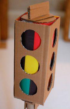 Cómo crear un semáforo con materiales reciclados