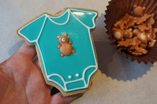 Montreal Confections: Teddy Bear Royal Icing Transfers - Video and Template