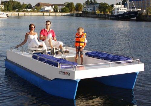 Schwimmsysteme, Pontons und Pontonboote in unterschiedlichsten Ausführungen von PEREBO. Vertrauen Sie auf langjährige Erfahrung und innovative Technologien.