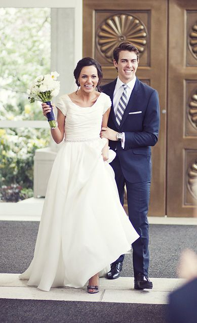 Soft Flowing Modest Wedding Gown A Little Less Doughty But Something About The