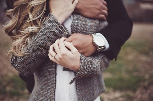 Cute Hugging Couples Wallpapers Hugs From Behind Such A Protective Hug I Want My Amour