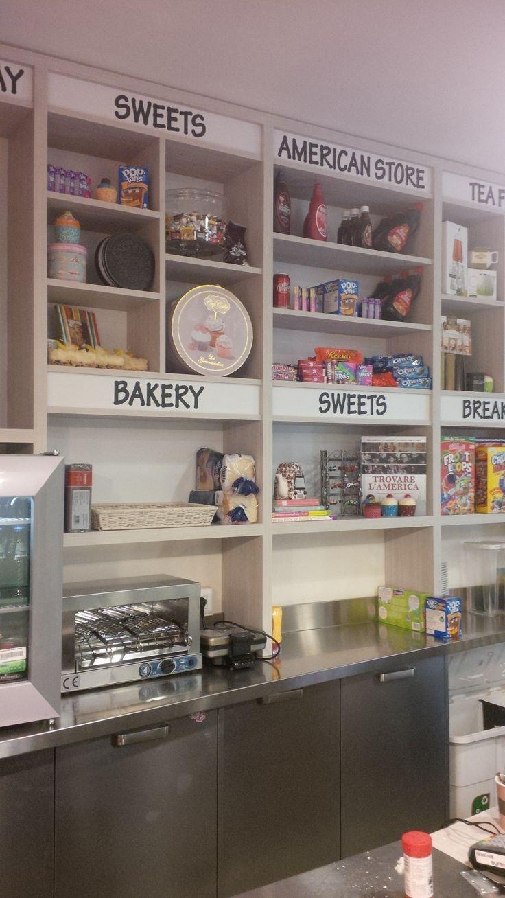 BEAUTY&DESIGN restyling Keik bakery Modena - esposizione prodotti con scritte