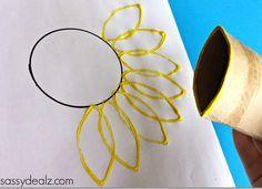 Sonnenblume malen und dabei die Blütenblätter mithilfe einer Papierrolle drucken!