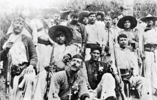 LA CRISTIADA  Comentarios de interés con fotografías de la época de la persecución religiosa en México y algunas escenas de la película la cristiada.  http://paxtvmovil.org/vod/capitulo_video/29/253#