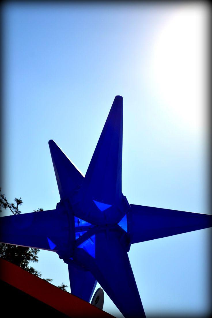ROOFTOP JUXTAPOSITION - CONE VIRUS II (Blue) Gordon Froud