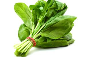 Spinach: Health Benefits, Nutrition Facts (& Popeye)