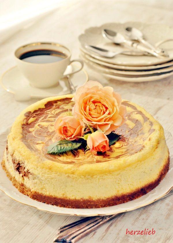 Käsekuchen mit Schoko oder Chocolate Cheescake - das Rezeüt