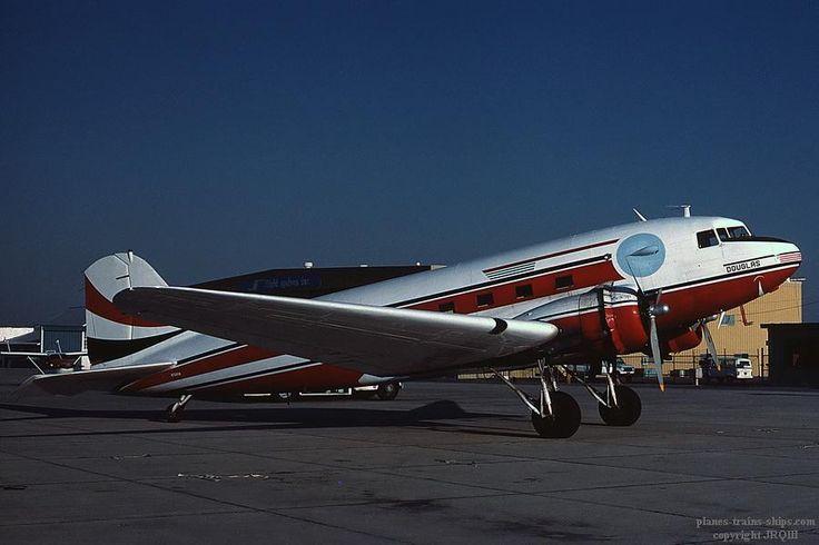 4/14/85, Mojave, CA. DC-3 N7500A (c/n 11693, C-53D 42-68766)