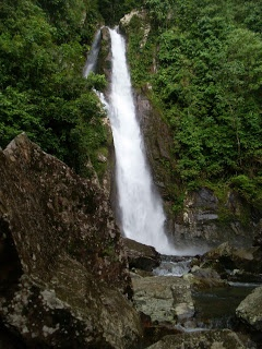 wisata air terjun tingkat 2.  bayangsani, pesisir selatan, 25652, sumatra barat, indonesia.  tour the pesisir selatan.
