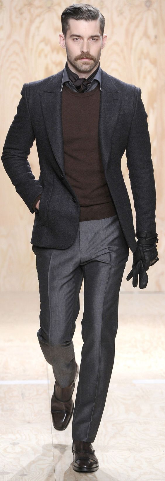everybodylovessuits: This one feels casual but looks smart and elegant. Way to…