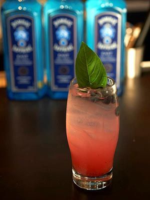 Kick Off Your August with this Gin and Champagne Concoction: Signature Drinks, Limes Juice, Blueberries Champagne Drinks, Champagne Concoct, August, Union Squares, Kicks, Gin Champagne Cocktails, Delicious Drinks