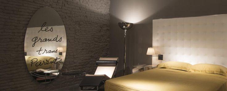 LES GRANDS TRANS-PARENTS di Man Rayè un'icona dell'arredamento di design. Scopri i modelli e le caratteristiche dei mobili Cassina.