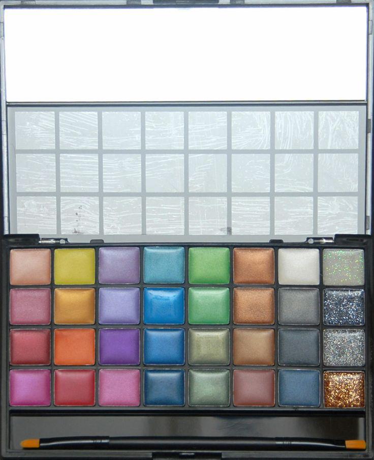 Trusa de farduri cremoase cu 72 de culori pentru pleoape sau buze disponibila pe www.paletutze.ro