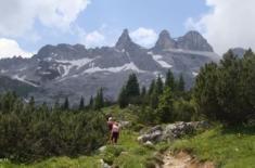 http://www.ferienhotel.at/aktivitaeten-erlebniss/sommer-im-montafon  Schon der Ausblick vom Wellnesshotel in Vorarlberg – dem Hotel Fernblick - über die Täler und die beeindruckende Bergwelt des Montafons, lassen erahnen, wie vielfältig die Sommerferien im Montafon sind - wandern, Mountainbiken uvm.