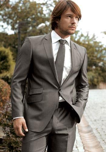 Свадебные приметы серый костюм жениха