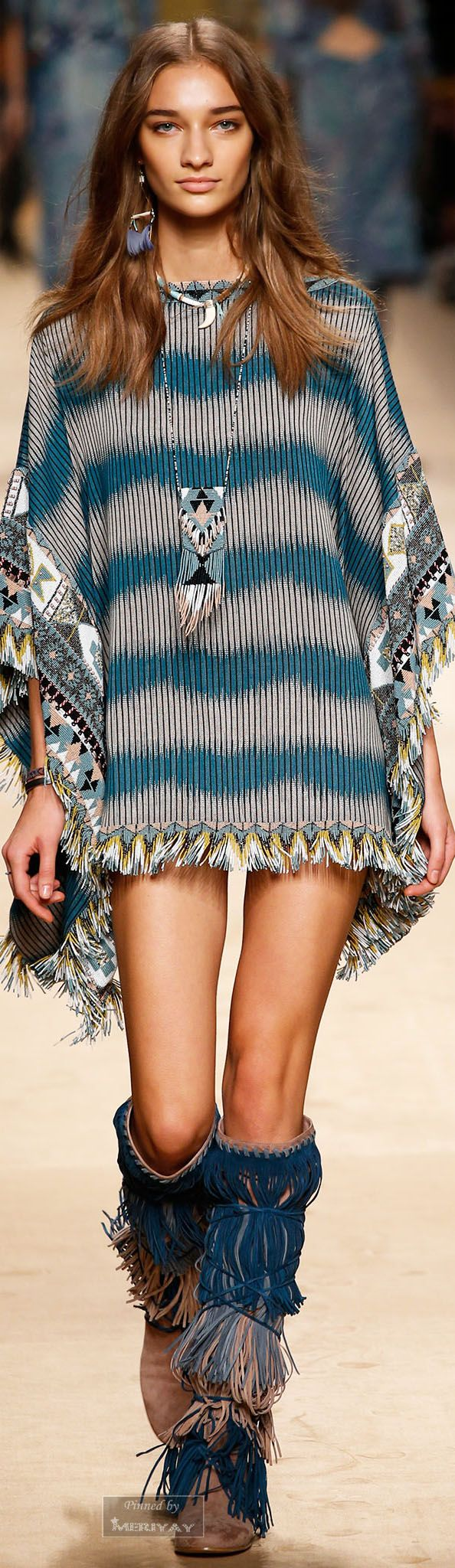 That is some gorgeous, rich texture and color ~ but put some pants on, girl! I think it would look great with smoky-blue leggings. Etro.Spring 2015.