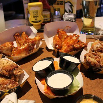Tired of Long Island University - Post's campus food? Connect with others at Buffalo Wild Wings located in the Broadway Mall just 5 minutes from campus! #buffalowildwings #yum #LIUPost #campusconnet