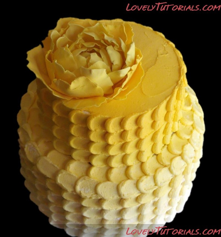 Techniques how to make simple beautiful cakes
