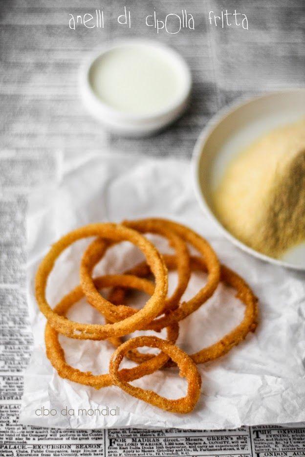 Anelli di cipolla fritta al latticello, fioretto di granoturco e paprika