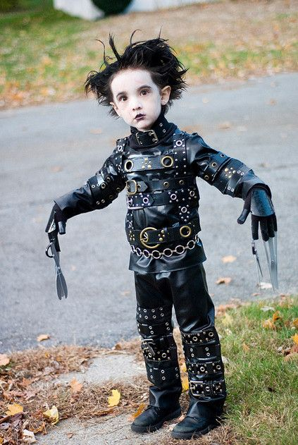 Fantastic Costume Ideas For Your Little One! (more costumes in post!) #halloween #diy #crafts