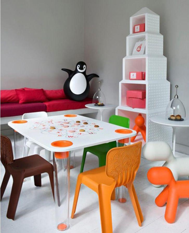 DOWNTOWN kid's bookcase by Oiva Toikka