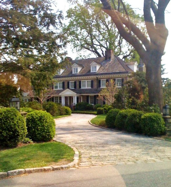 1000 ideas about long driveways on pinterest driveways for Beautiful classic homes
