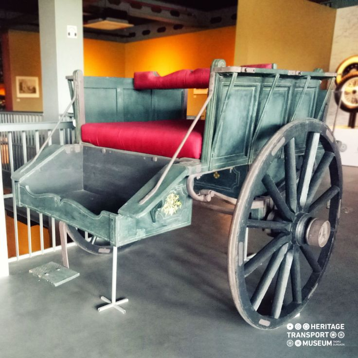 Did you check out this #horsecarriage from the early 20th Century!  #vintagetransport #incredibleindia #vintagecollection #exhibit