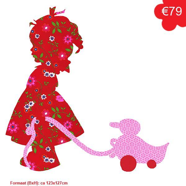 Een schattige afbeelding van een meisje met een eendje op wieltjes. Gemaakt van behang, diverse kleuren mogelijk.