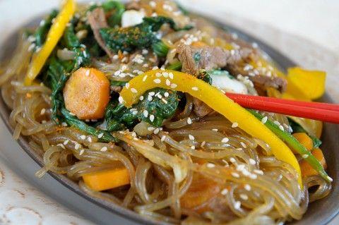 Chap chae koreańskie noodle z woka - SlodkoKwasny.com przepis