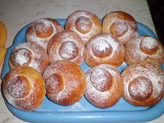 Dolcilandia e non solo...: Brioche siciliane (brioche co' tuppu)