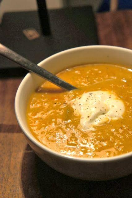 Gourmandises et Merveilles: Soupe épicée de patates douces, carottes et céleri et lait de coco  Spiced sweet potatoes, carrot and coconut milk soup