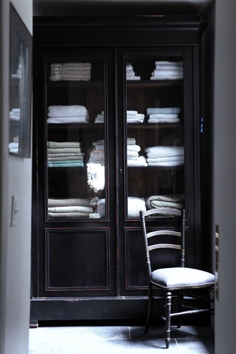 House Call: Harriet Maxwell And Andrew Corrie Of Ochre In NYC. Closet Ideas Linen ...
