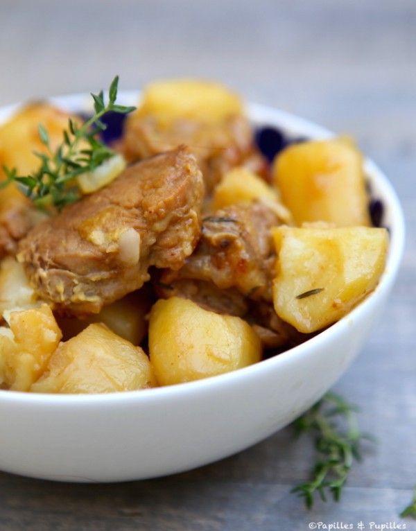 Filet mignon au miel et à la moutarde Pour 4 personnes ♦️ 1 filet mignon de porc ♦️ 8 pommes de terre ♦️ 1 oignon ♦️ 3 gousses d'ail ♦️ 20 g de beurre ♦️ 1 cuillère à soupe d'huile de colza ♦️ 2 cuillères à soupe de miel ♦️ 2 cuillères à soupe de moutarde ♦️ 200 ml de vin blanc sec ♦️ 100 ml de bouillon de légumes (maison ou reconstitué avec un cube) ♦️ 1 pincée de sel v 1 pincée de poivre ♦️ 2 brins de thym