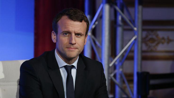 """Macron demande à Erdogan la """"libération rapide"""" du journaliste Loup Bureau"""