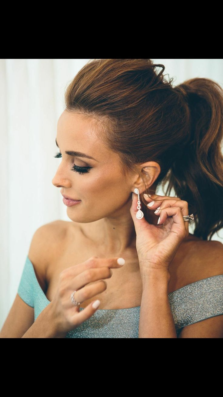 Rebecca Judd's makeup for the logies
