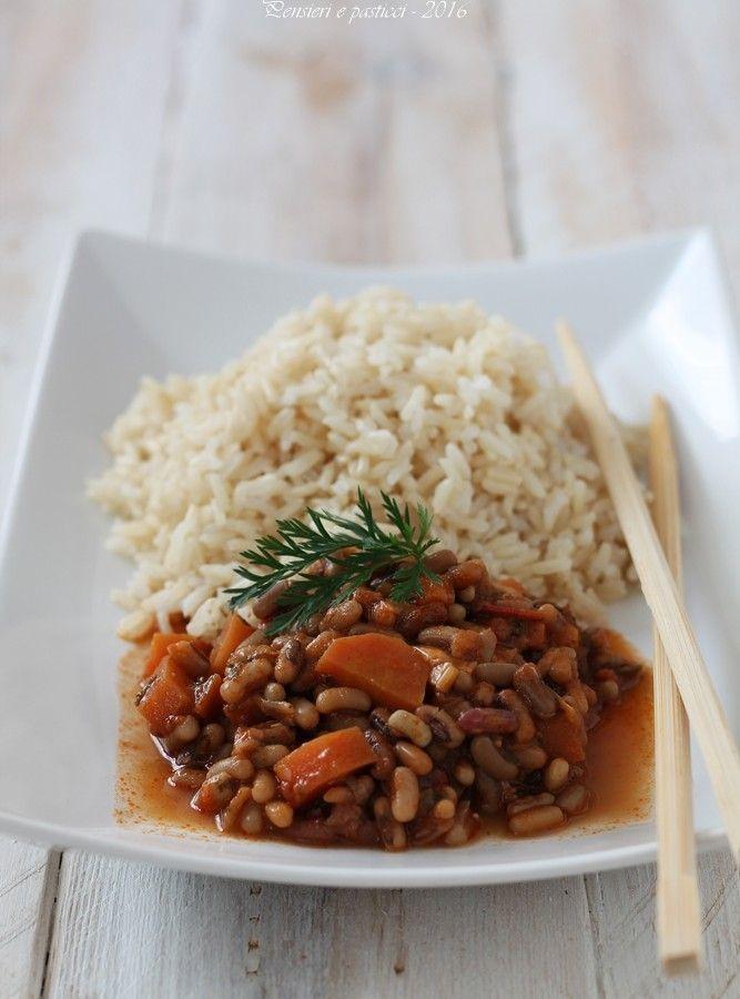 Stufato di fagioli allegri alle carote e cumino con riso thay