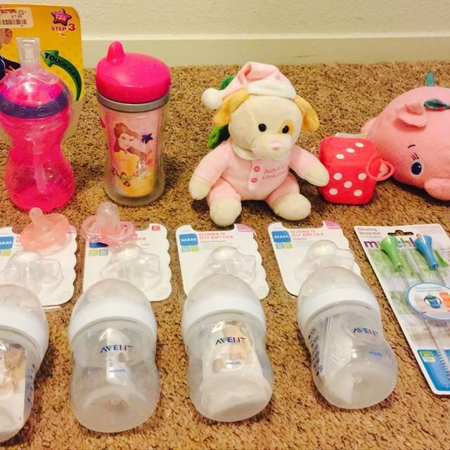 http://www.toysonlineusa.com/category/avent-pacifier/ Baby girl Essentials, 4 Avent bottles, 4 pacifiers, munchkin bottle cleaning set,