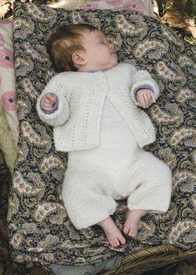 Det bedårende babysæt i den allerblødeste alpaka-uld er måske det, som baby skal have på hjem fra fødegangen?