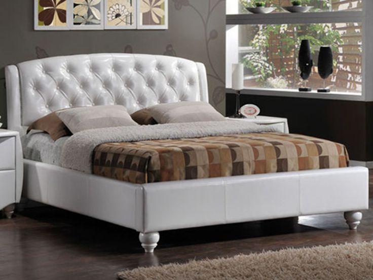 Patul tapiţat Bella este un pat cu un design fermecator ce se remarcă prin linile ondulate ale căpătâiului capitonat şi prin