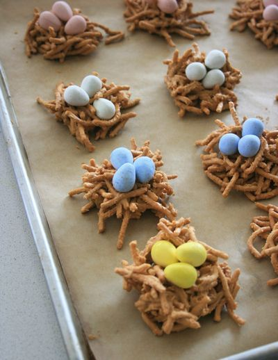 Nest Egg Cookies: Nests Cookies, Minis Eggs, Eggs Cookies, Birds Nests, Cadbury Minis, Nests Eggs, Bird Nests, Eggs Recipes, Easter Cookies