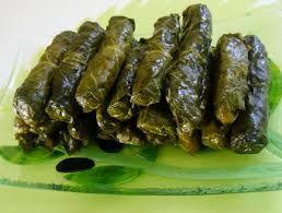 Zeytinyağlı Pazı Sarması Tarifi - http://www.yemekgurmesi.net/zeytinyagli-pazi-sarmasi-tarifi.html