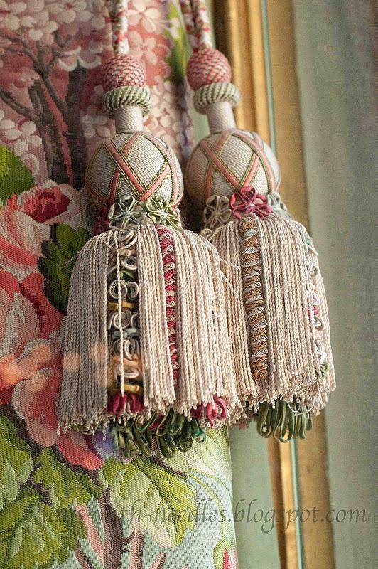 Beautiful tiebacks, Love the blog-Plays With Needles!~Marie-Window Designs Etc.....Versailles