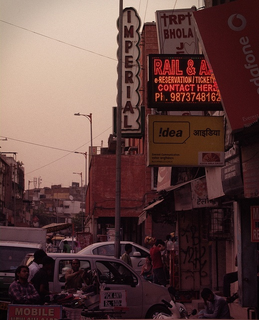 Welcome to Paharganj by Arun Shah Masood, via Flickr